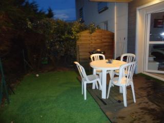 Biscarrosse Bourg Appartement tout confort avec jardinet proche lac sud