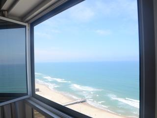 daniel's apartment suite, Bat Yam