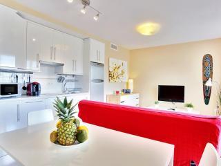 Tarifa 22, New beach-front apartment. Free wifi