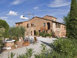 Holiday Resort in Montepuciano B, Montepulciano