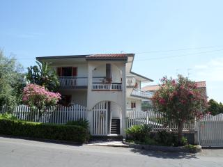 Spacious apartment, view of the sea and Mount Etna, Acireale