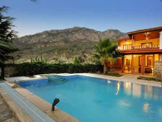 Luxury Villa Anni - Sleeps 6