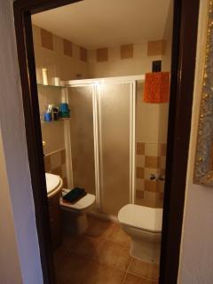 4 baños completos