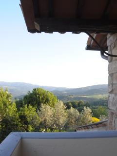 Beautiful view on Umbrian hills. Enjoying spectacular views, the house is private and secluded