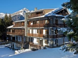 Sauze Apartments 9 & 10 together - sleeps 11