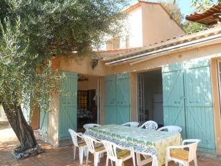 Villa à Cabris (proche: Grasse - Cannes - Antibes)