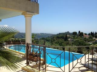 Villa in Famous St Paul (Renovated May 2014 - New, St-Paul-de-Vence