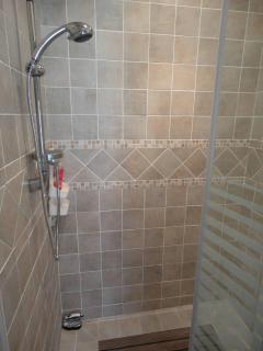 Bon Nuit, en-suite fully tiled bathroom with large walk in shower