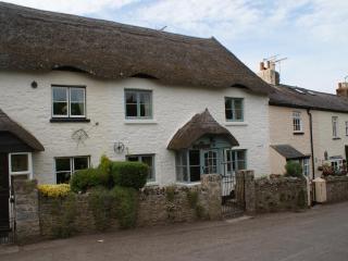 Pleasant Maris, Devon (5 bed cottage, sleeps 7)