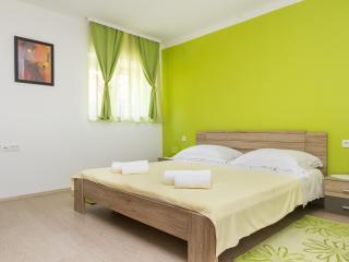 Cozy apartment Jasmin near old town, Spalato