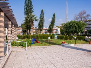 Coco de Mer 510, Limassol