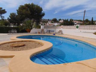 Villa Alzina - Villa with pool close to the beach
