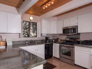 Roycraft Lake Tahoe Pet Friendly Vacation Rental, Carnelian Bay