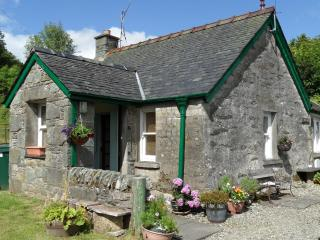 Trevenek Cottage, small village location in historic Kilmartin Glen,pet friendly