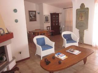 Holiday Apartment 50 m from the sea, Isola Rossa