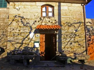 Rustic Stone house in Geres