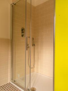 1 meter wide power shower