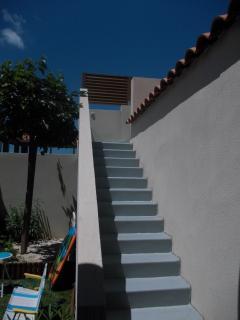 Escaliers montant au solarium
