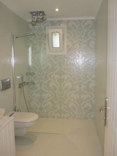 Master Ensuite with luxury fittings.