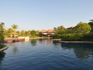 Luxurious 2BR,  Poolside Villa, Cherngtalay