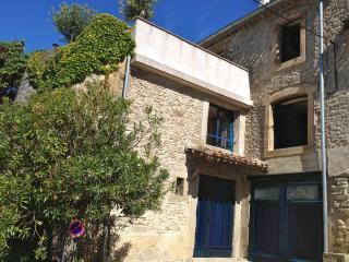 Spacieuse maison climatisee, 2 SDB 6km Carcassonne