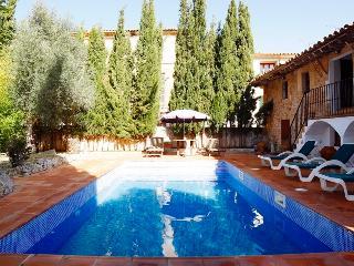 precioso apartamento en casa con jardin y piscina, Alaró