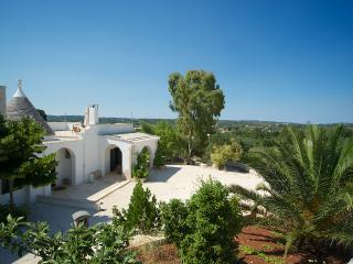 Trullo Alto: villa with wifi & aircon near Ostuni