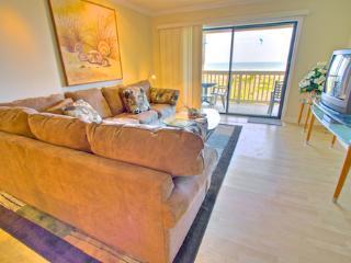 Sea Haven Resort - 214, Ocean Front, 2BR/2.5BTH, Pool, Beach, Saint Augustine