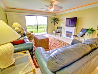 Sea Haven Resort - 215, Ocean Front, 2BR/2BTH, Pool, Beach, Saint Augustine