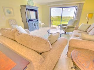 Sea Haven Resort - 518, Ocean Front, 2BR/2BTH, Pool, Beach, Saint Augustine