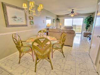 Sea Haven Resort - 514, Ocean Front, 2BR/2.5BTH, Pool, Beach, Saint Augustine