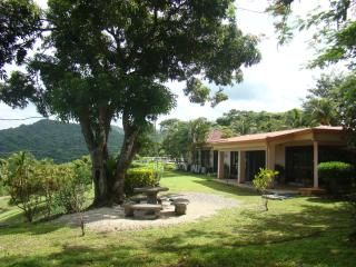 Rental House Carrillo Beach, Playa Carrillo