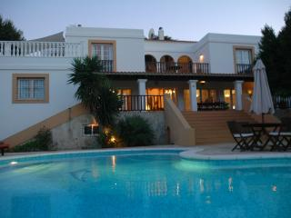 Casa con piscina privada, vistas al mar, Ibiza