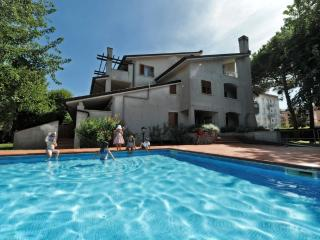 Residence con piscina 150 m dal mare, Caorle