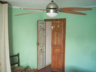 Casa típica en el centro de un pueblo, Malpartida de Plasencia
