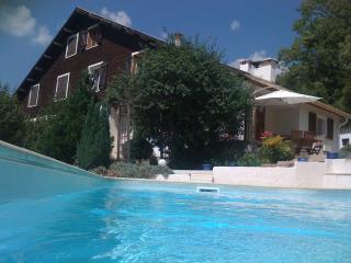 MAISON CHALET  + PISCINE FAMILIALE, Saint Martin-Vesubie