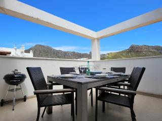 Pollensa Family Penthouse 150mtrs from the beach., Port de Pollenca