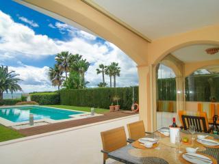 Venalmar first line beach apartment garden pool, Estepona