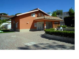 B&B Villa Matari a 120 metri dalla spiaggia raggiungibile e piedi in 2 minuti.