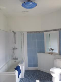 'Katrine' en suite - newly refurbished.