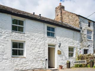 Isaac's Byre, pet friendly cottage, Garrigill, Alston, Cumbria..