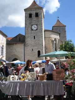 Lauzerte - church of St Bartelemy and market