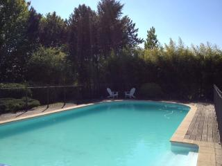 Maison Blanche - Character Home with heated Pool, Meursault