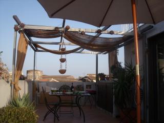 La terrazza panoramica dove potete godervi il caldo sole della Sicilia...
