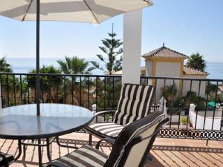 3B 2BTH AC WiFi Private pool villa above Burriana beach BRISAS