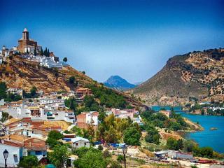 Iznajar Castle & Lake