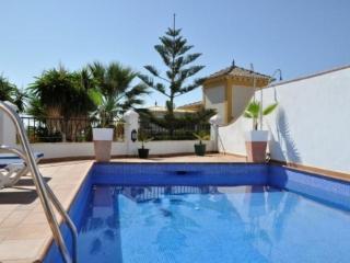 3B 2BTH AC WiFi Private pool villa above Burriana beach PARAISO