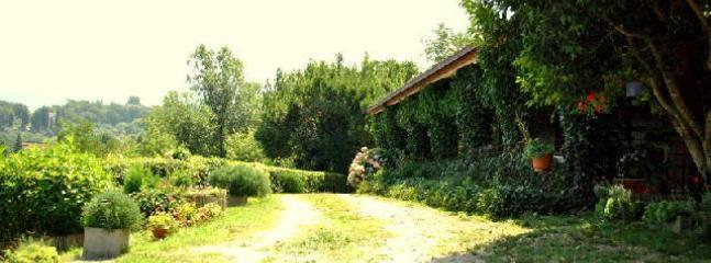 giardino d'ingresso alla villa