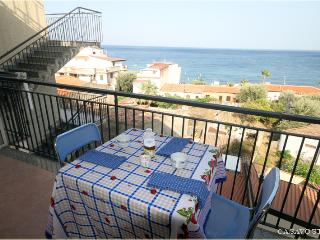 Panoramic apartment near Taormina,100 m to the sea, Sant' Alessio Siculo