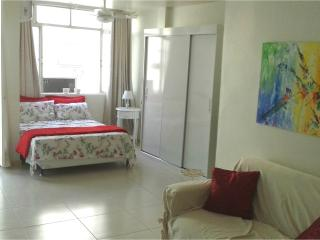 Copacabana light, cozy, renovated 2 Bedroom, Apto. claro, aconchegante